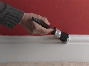 Боядисване на первази - перваз