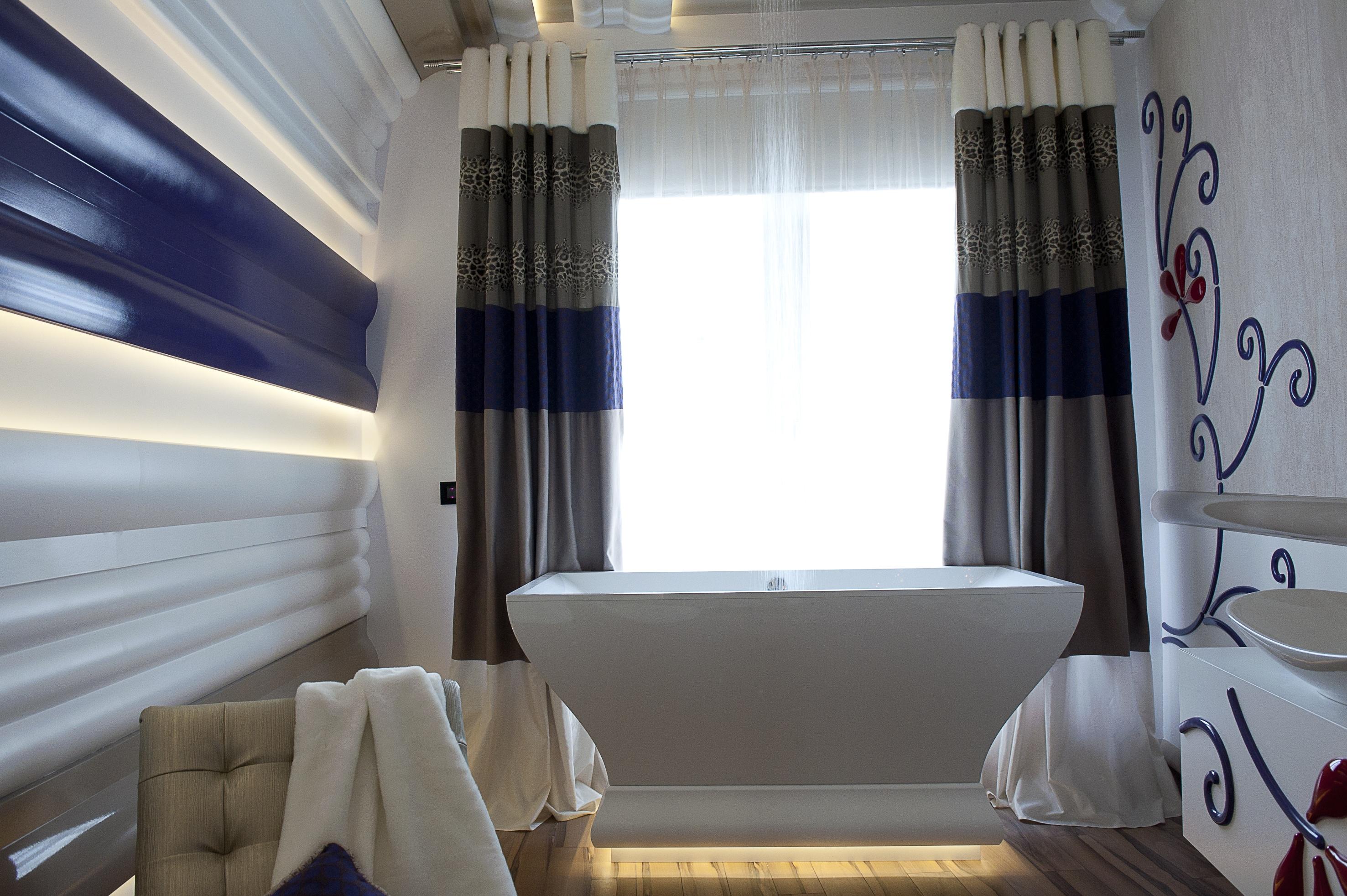 Скрито осветление в баня C371 Orac Decor