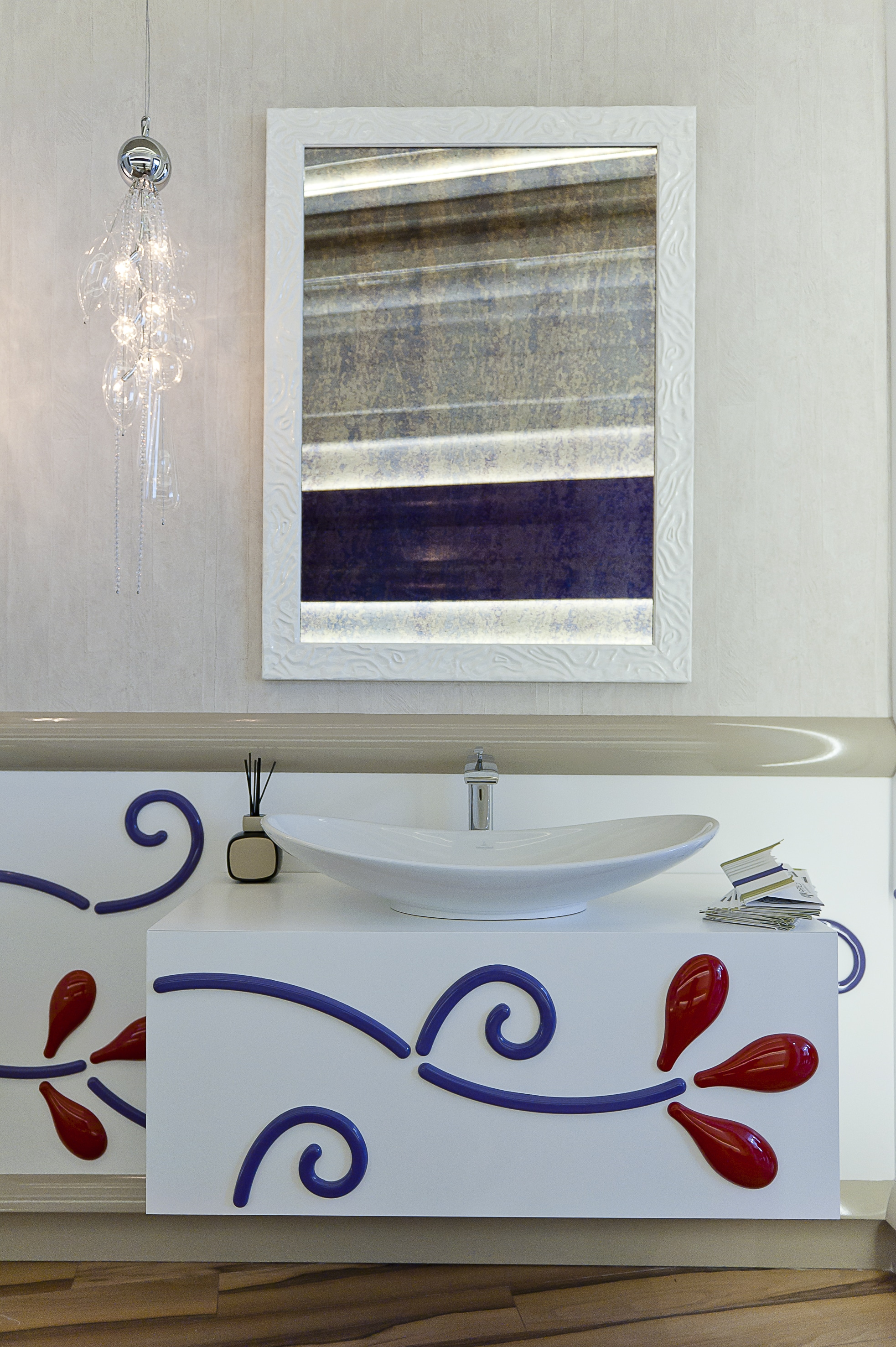 Шкафове баня 2