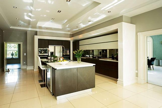 Кухня с D200 декорация, D310 база и DX119 профил за стена