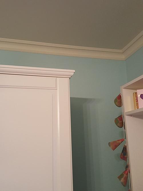Стиропорен корниз CB511 интериор спалня в синьо
