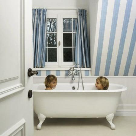 Бял перваз в баня SX137