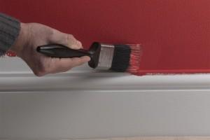 Боядисване на первази - стена