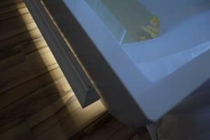 Скрито осветление в баня C371 Orac Decor 5