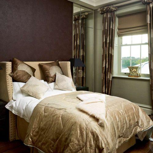 Спалня с перваз SX118 и профил за стена P9010