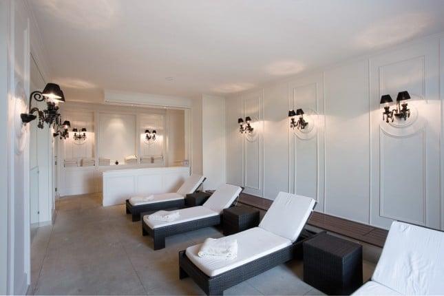 Приказен хотелски интериор в замък Шато 2