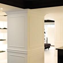 Декорации на стени и тавани с рамки в хотел 6
