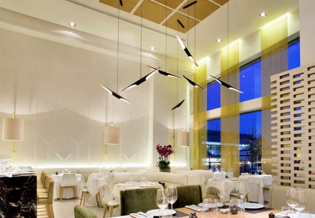 Елегантна визия с модерен перваз в ресторант 2