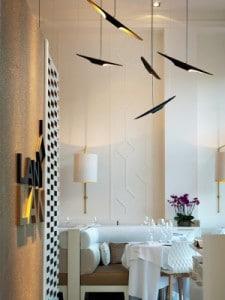 Елегантна визия с модерен перваз в ресторант 4
