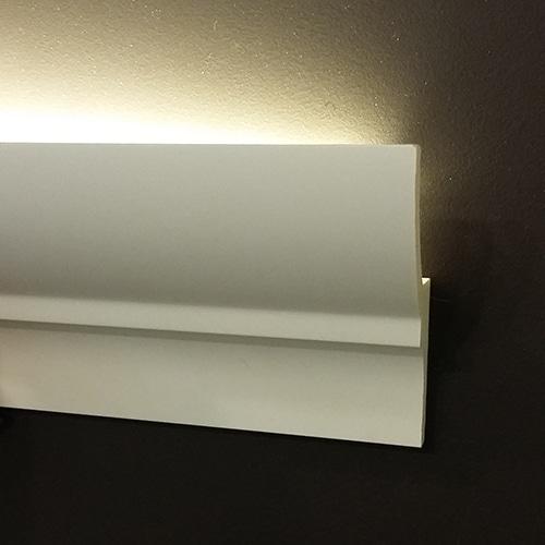 Корниз за скрито осветление KF701 интериор 3